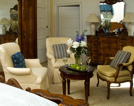 Granville Queen Inn Bed and Breakfast, Luxurious Rooms