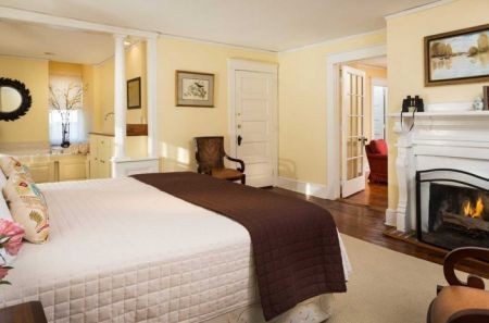 Inner Banks Inn & Restaurant, Satterfield Suite