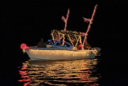 Destination Downtown Edenton, Christmas Tree Lighting & Flotilla